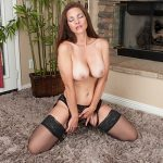 Intense solo pleasure with Mindi Mink